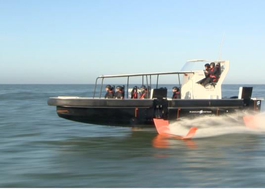 Aquila, Beneteau, Introduce Foils on Cruising Powerboats