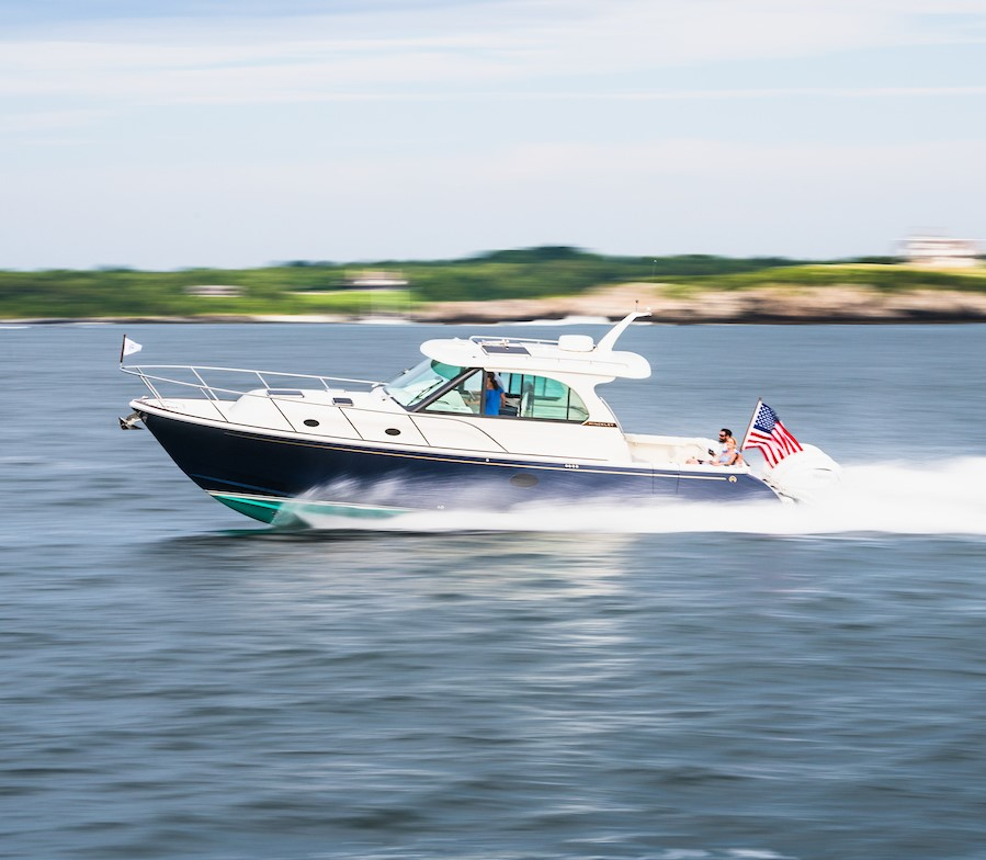 First Look New Hinckley 40x Sport Boat With Three Outboards