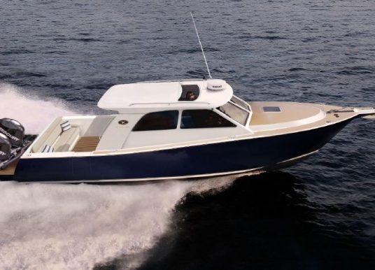 New Coastal Craft 33 Express: Easy Cruising at 42 Knots